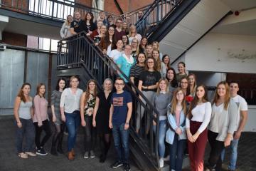 Vorbereitungen für die diesjährige Spielstadt haben begonnen - Ein großes Team der Fachschule für Sozialpädagogik unterstützt in diesem Jahr den Fachdienst Jugend (JUKOM) in der Spielstadt. Foto: Stadt Papenburg