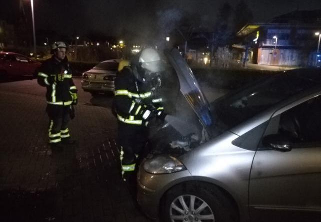 Fahrzeugbrand in Lingen auf dem Bonifatius Hospital Parkplatz Foto: NordNews.de
