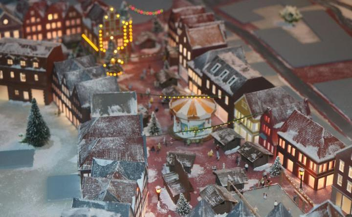 Weihnachtsmarkt-Eröffnung mit Eislaufshow Foto: Stadt Meppen