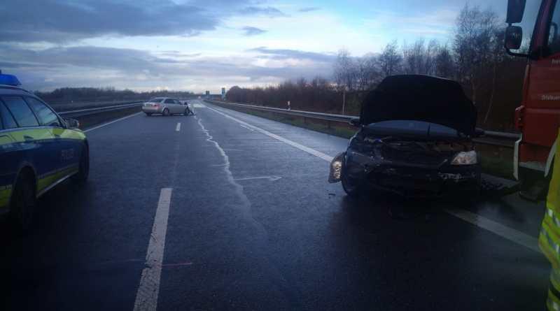 AKTUELL - Fahrer mit 1,6 Promille verursacht Verkehrsunfall auf der A31 Foto: NordNews.de
