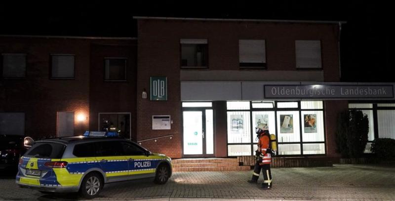 Gasspürgerät nach Sprengung am Geldautomaten eingesetzt   Foto: SG Sögel / Feuerwehr