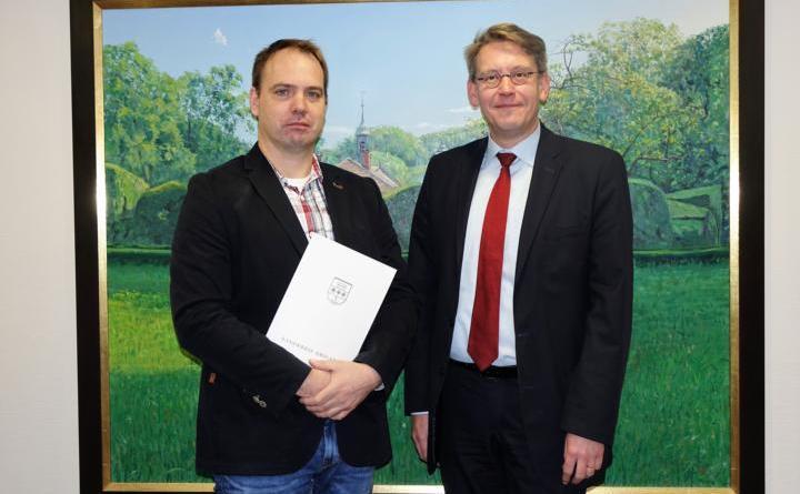 Neuer Schonsteinfeger bestellt - Norbert Garbs für Bereich Rhede zuständig Foto: Landkreis Emsland