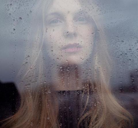 """VIVIE ANN veröffentlicht mit """"Obsolete Majesty"""" erste Single aus ihrem kommenden Album """"When The Harbour Becomes The Sea"""""""