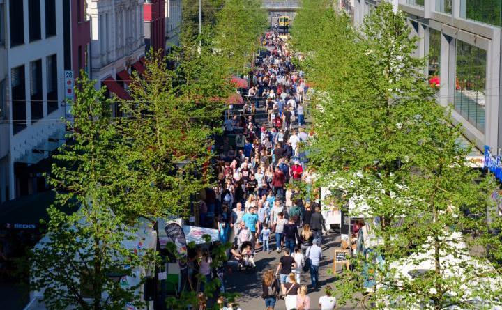 """Vielseitiges """"Food Festival"""" in Papenburg Zwei Tage kulinarisches Festival mit Musik und Kinderanimation bei BauXpert Schulte"""