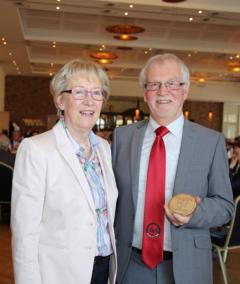 Neuer Harener Bürgerpreisträger 2018 Ewald Stapel mit Ehefrau Ingrid. Foto: Stadt Haren