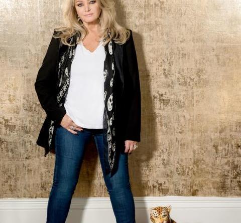 """Bonnie Tyler kehrt zurück mit neuem Album """"Between The Earth And The Stars"""" UND FEIERT 50-jähriges Bühnenjubiläum Foto: 2018 © Tina Korhonen/ www.tina-k.com"""