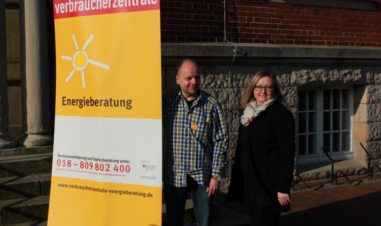 Oliver Gassner und Izabela Dulis laden am 30. April und 7. Mai zu Info-Abenden ins Rathaus ein. Foto: Stadt Papenburg