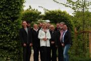 Die Gastronomen, Vertreter der Stadt Papenburg und der Gartenbauzentrale freuen sich schon jetzt auf die Blumenschau 2019 im Stadtpark. Bei der Vorstellung des gastronomischen Angebots war die Stimmung schon einmal hervorragend. Foto: Stadt Papenburg