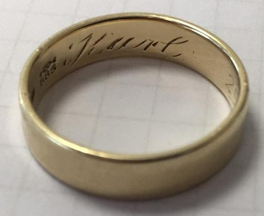 Salzbergen - Fingerring in Damengröße - Wem gehört dieser Ehering? - Foto: Polizei