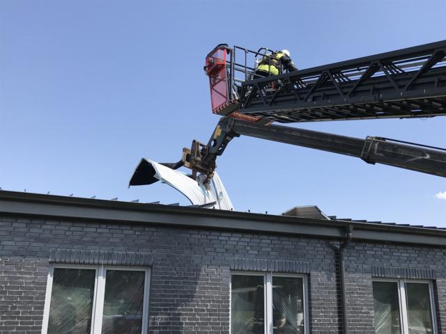 Dach eines Neubaus fängt bei Schweißarbeiten an zu brennen- Feuerwehren Dörpen und Kluse verhindern ein Ausbreiten der Flammen