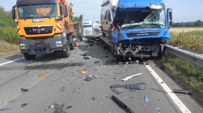 Wietmarschen - Unfall auf A31 zwischen Geeste und Wietmarschen - Foto: Polizei
