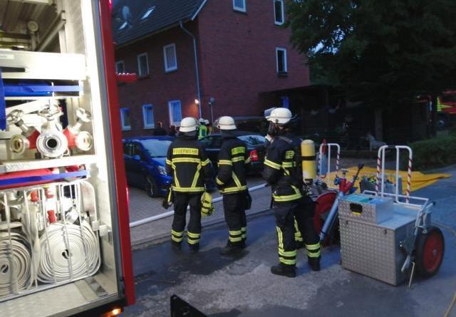 Feuerwehreinsatz in der Wilhelm Berning Straße in Lingen - Foto: NordNews.de