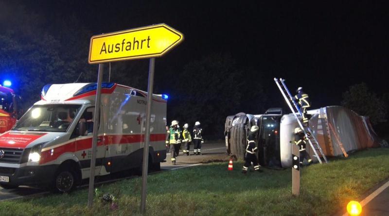 Verkehrschaos in Lingen - Schwerer Lkw-Unfall auf der Umgehungsstrasse - Foto: NordNews.de Übersicht1