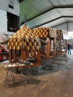 Meppens Weihnachtspyramide kurz vor der Fertigstellung - Besonderes Angebot für Kindergeburtstage - Foto: Stadt Meppen