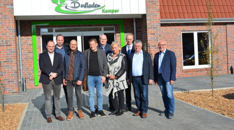 Tobias und Christian Kemper (links) freuen sich über die neuen Räumlichkeiten in Osterbrock Foto: Gemeinde Geeste