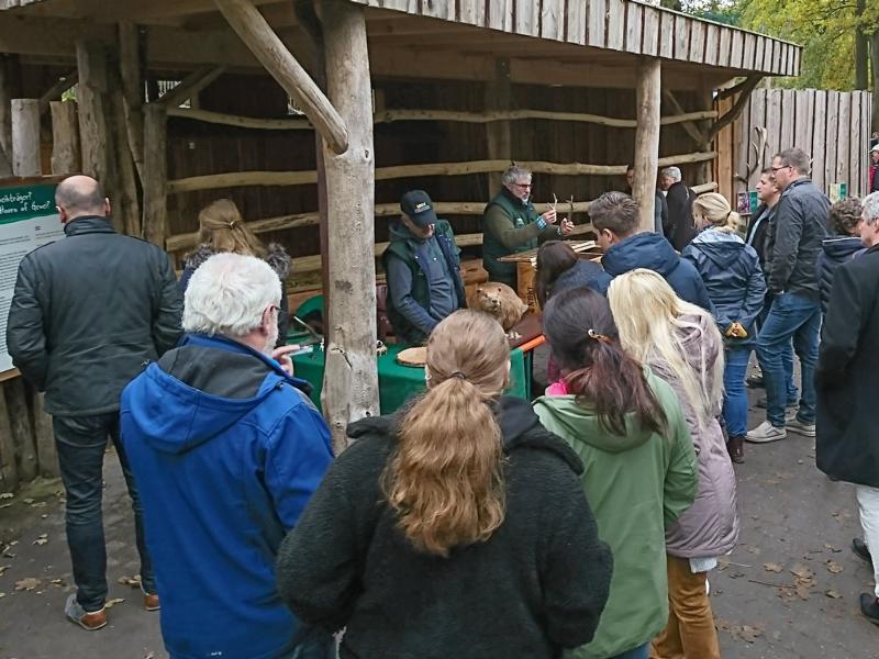 6500 Besucher am 25. Zootag - Tolles Programm und trockenes Wetter locken viele Besucher in den Tierpark Nordhorn - Foto: Franz Frieling
