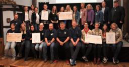 Freuten sich über ihre Auszeichnung: Die drei Preisträger des Jugendförderpreises, den der Kreisjugendring und der Landkreis Emsland zum 24. Mal vergaben. (Foto: Kreisjugendring)
