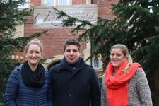 (v.l.) Das Team der Wirtschaftsförderung freut sich auf die Veröffentlichung des ersten Newsletters: Martina Lögering, Alexander Kassner und Janine Baalmann. Foto: Stadt Meppen
