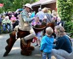Drachendame Lizzy gehörte zum Programm in den vergangenen KULTOURsommer-Jahren. (Foto: Landkreis Emsland)