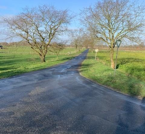 Die Meppener Marsch wird für den motorisierten Verkehr gesperrt. Für Fahrradfahrer und landwirtschaftlichen Verkehr bleibt die Durchfahrt frei. Foto: Stadt Meppen