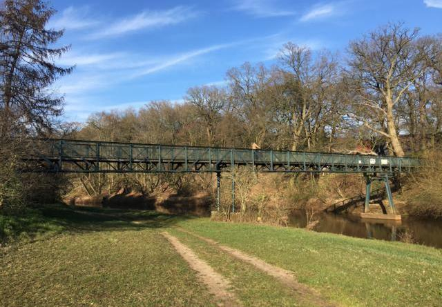 Die Dörgener Brücke stellt eine zentrale Verbindung zwischen den Städten Meppen und Haselünne dar. Insbesondere bei Radfahrern und Wanderern ist die Brücke beliebt. Nun muss die Brücke grundsaniert werden. Grafik / Foto: Stadt Meppen