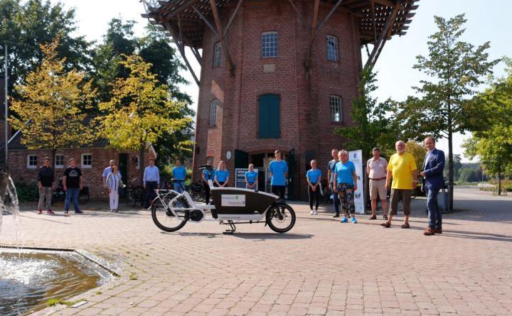 E-Lastenfahrrad wurde vor Meyers Mühle vorgestellt - Foto: Stadt Papenburg