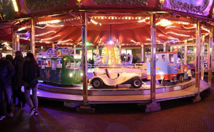 Kinderkarussell dreht sich auf dem Windthorstplatz - Foto: Stadt Meppen
