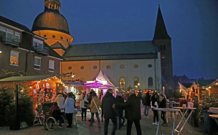 In diesem Jahr wird es keinen Weihnachtsmarkt auf dem Harener Martinusplatz geben (Archivfoto aus 2019). Foto: Stadt Haren (Ems).