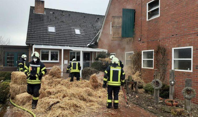 Wahrscheinlich Blitzeinschlag - Brand in Waldseite - Foto: Feuerwehr Gildehaus