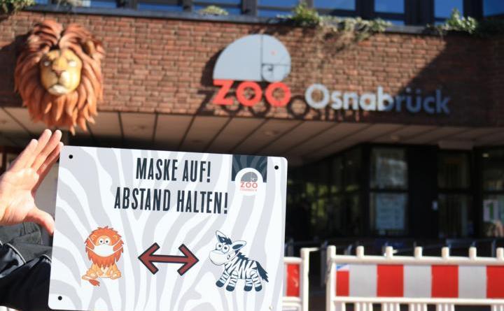 Droht am kommenden Dienstag die erneute coronabedingte Schließung des Zoo Osnabrück? Auf jeden Fall bis einschließlich Montag können Besucher mit Onlineanmeldung noch in den Zoo kommen – dann entscheidet der aktuelle 7-Tage-Inzidenzwert. Zoo Osnabrück (Lisa Simon)