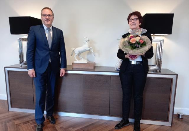 Bürgermeister verabschiedet Regina Holzapfel in den Ruhestand - Foto: Stadt Meppen