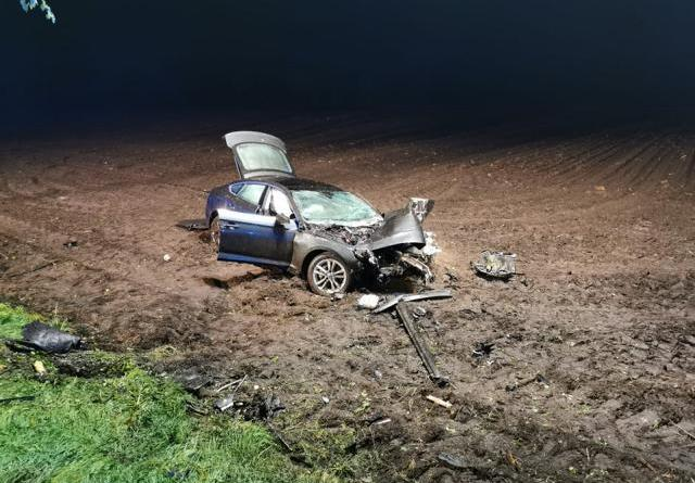 Fahrer flüchten nach Verkehrsunfall in Werlte - Foto: Feuerwehr Werlte