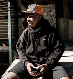 PAJEL: Newcomer übernimmt Platz 1 der Spotify Charts