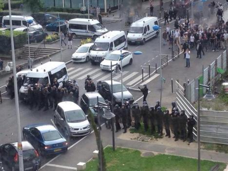 Bs mMGtIcAAL41C Bashar Al Assad demande à Hollande de cesser les violences à Paris.