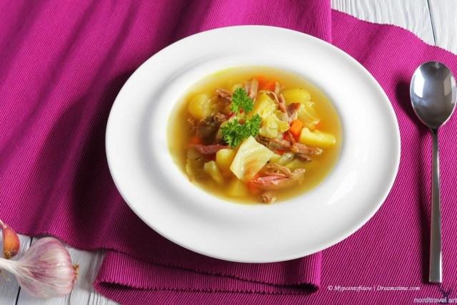 Kjötsupa - традиционный исландский суп из баранины и овощей