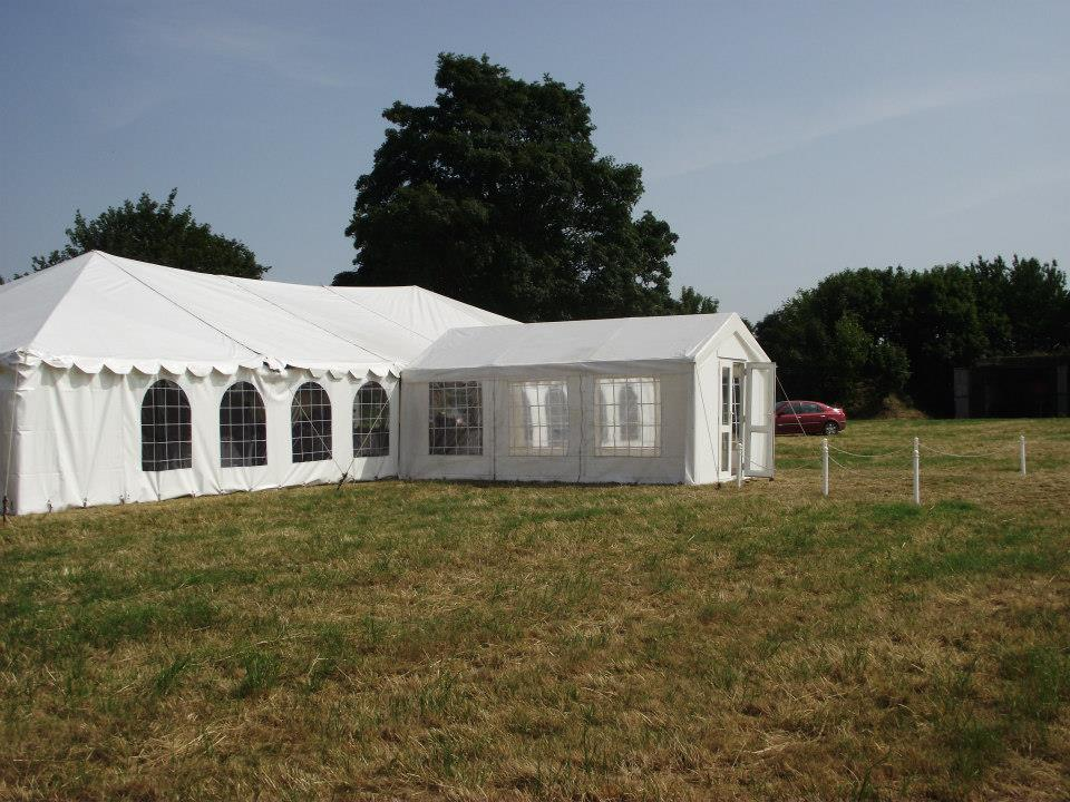 wedding chair cover hire kings lynn big round norfolk marquee large marquees are ideal for traditional receptions where a sit down meal is followed by dancing and socialising decorate the interior exactly how