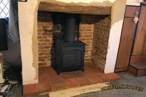 Stovax Stockton 8 Wood Burner with a pamment hearth