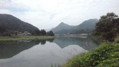 只見川の水鏡