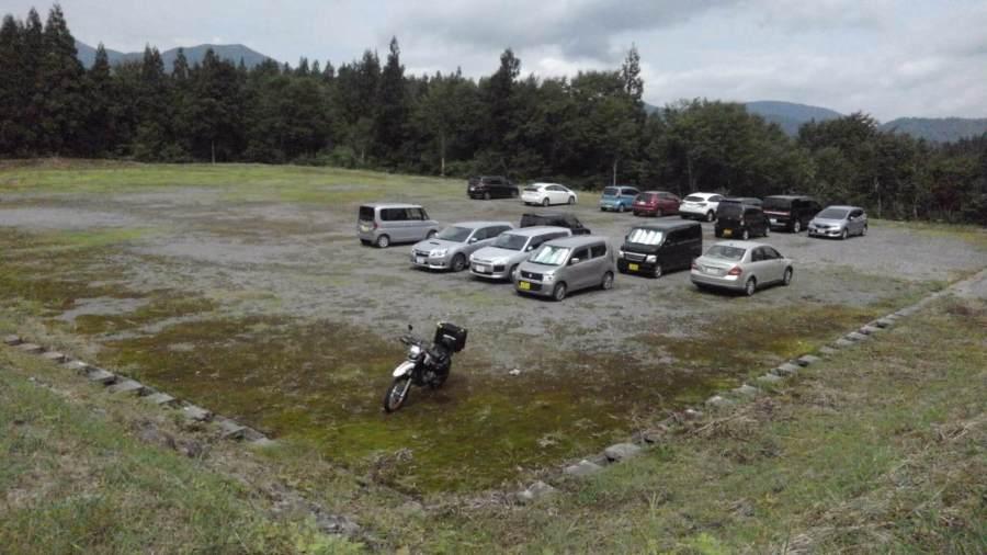 ネズモチ平駐車場