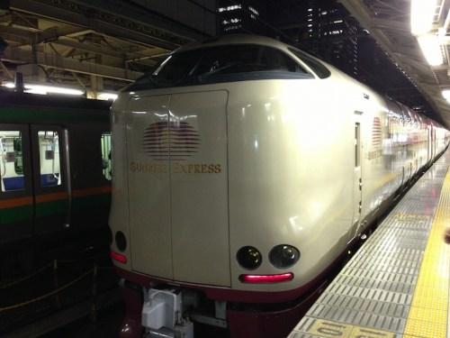 大阪駅の寝台列車「サンライズ出雲・瀬戸」乗り場は何番線ホーム?