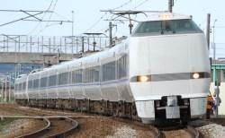 大阪駅の特急「サンダーバード」乗り場は何番線ホーム?