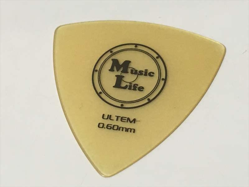 50円 ULTEM (ウルテム) ピック Triangle トライアングル 0.60mm