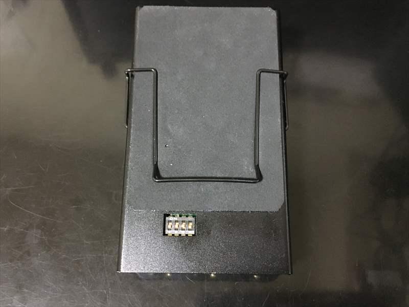 アンフィニ Batteryの裏面コントロール スイッチ