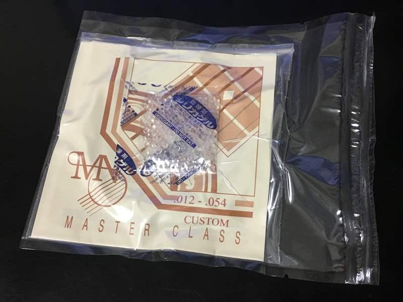 Newtone Strings 12-54 1350円(税込) NMC-CU-PB Phosphor Bronze Master Class DAVA ピック 120円、ROTO SOUND R9 670円、S9.544 SIT 560円、PN946 660円、S1150 590円、N477L 800円、VSE942 1600円、Newtone Strings 12-54 1350円