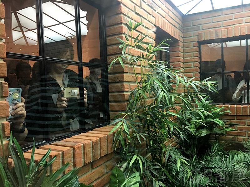 どのように映るか分からない窓。幽霊のように映る部屋。レアンドロ・エルリッヒ展が体験できる美術展でトリックアート・錯覚好きにオススメ!