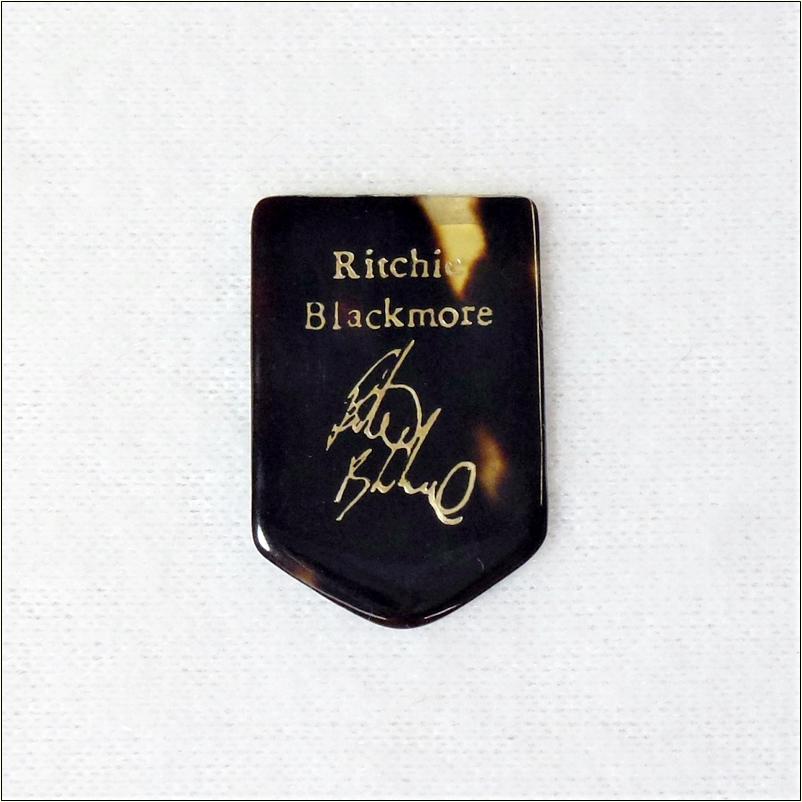本べっ甲ピック ホームベース型 3枚セット Richie Blackmore リッチーブラックモア 【徹底紹介】ホームベース型のピック特集!弾きやすくて安くてオススメ!【価格・口コミ・評価・レビュー】