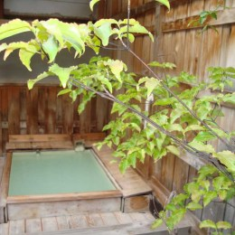 白い天然温泉の宿 福島屋の露天風呂