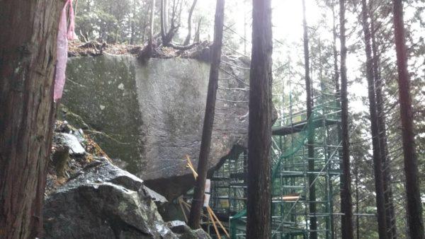 下呂 巨石