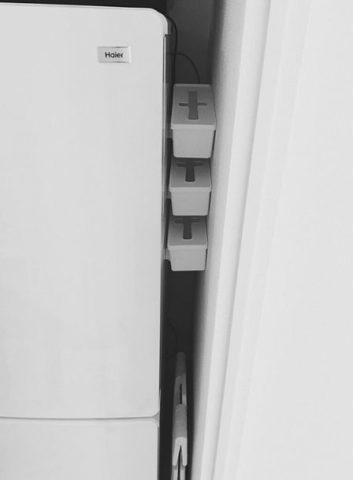 100均マグネット隙間収納キッチン・洗面所・玄関ロッカーDIYアイディア台所 ロッカーデスクヒャッキン100円