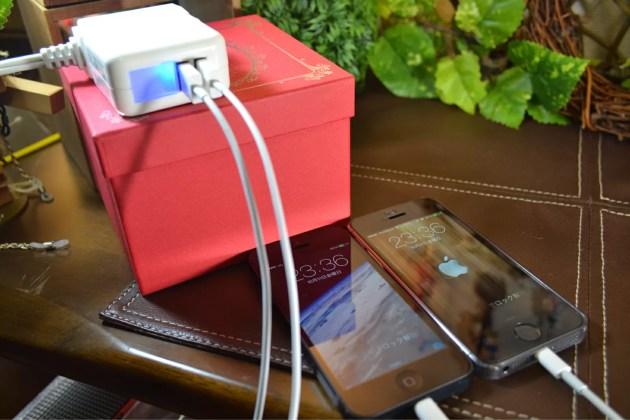 iPhone充電器で二台同時に充電